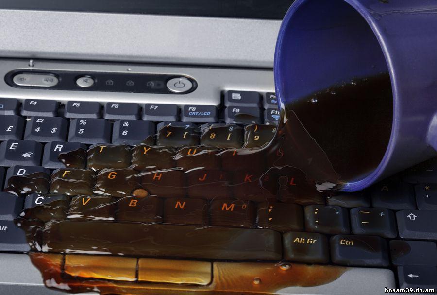 Ce faci daca iti scapi cafea sau suc pe tastatura laptopului?