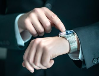 Cine are nevoie de un smartwatch?