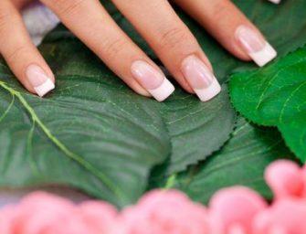 Cum se poate prelungi durata de viata a unghiilor acrilice?